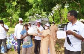 गरीबों की सहायता में राँची की कलीसिया के साथ अपोस्तोलिक कार्मेल की धर्मबहनें