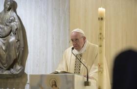 वाटिकन के सन्त मर्था प्रेरितिक आवास के प्रार्थनालय में