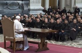 रोम के पुरोहितों को सम्बोधित करते संत पापा प्राँसिस